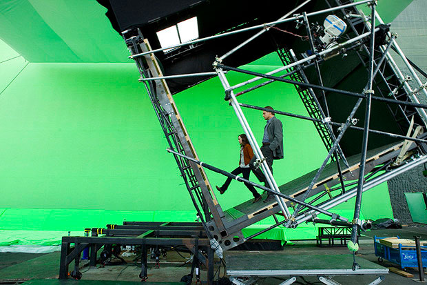 16-Photos-From-Behind-The-Scenes-Of-Famous-Films-2