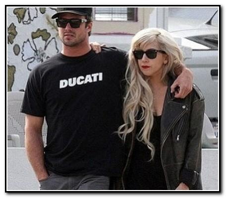 Lady_Gaga-Taylor_Kinney-314x272